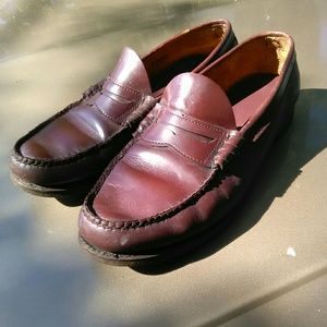 Bass Larson Weejuns Penny Loafers...